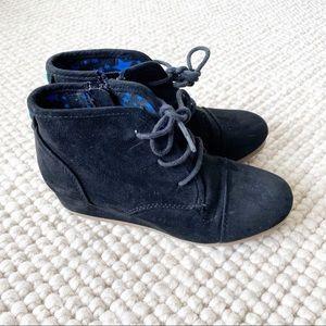 Cat & Jack black suede desert wedge boots